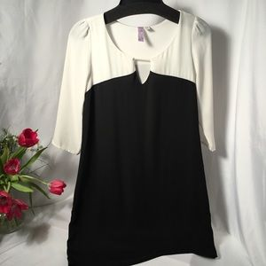 Alya Straight Line 3/4 Sheer Sleeve Blk/Wh lined